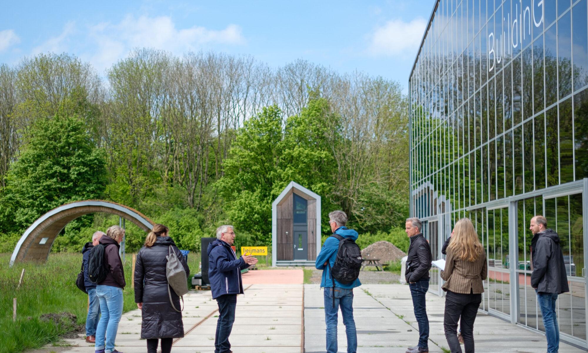 Gemeente Groningen en Assen bezoeken klimaatproeftuin BuildinG